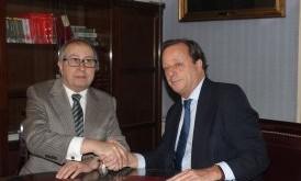 Firma_del_acuerdo_AEF-ICAM