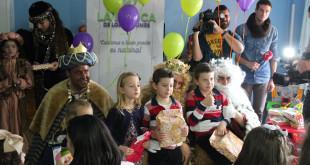 Los Reyes Magos visitan el Hospital con La Botica de los Perfumes