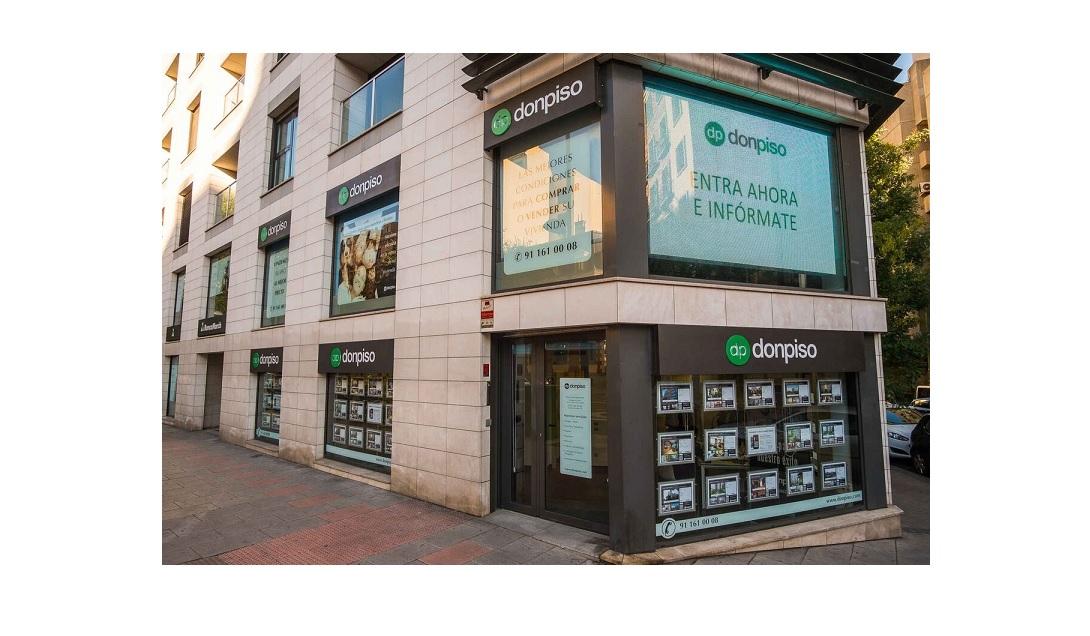 Donpiso crece en madrid barcelona y valencia con cuatro for Oficinas don piso barcelona