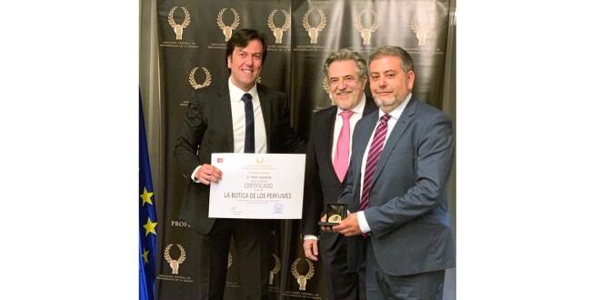 premio_Medalla de Oro la botica de los perfumes 29-4-19