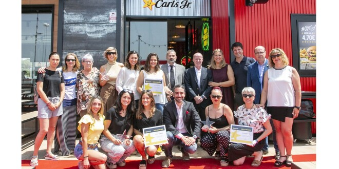 carls jr PATERNA premios 8-7-19